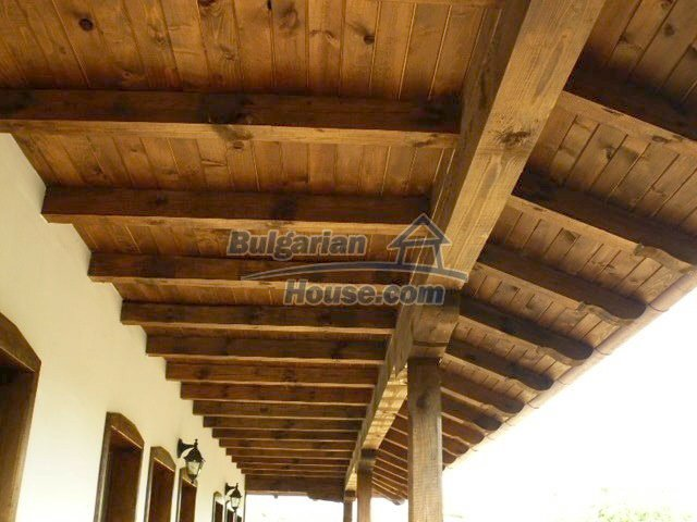12409:25 - Traditional Bulgarian house near Veliko Tarnovo. Excellent price