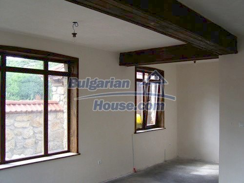 12409:29 - Traditional Bulgarian house near Veliko Tarnovo. Excellent price