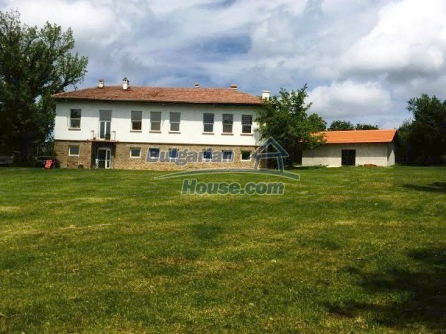 12412:1 - Renovated former school with 5000sq.m garden and amazing views