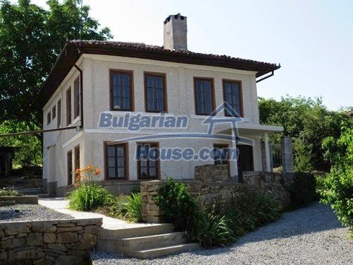 12415:4 - Traditional renovated Bulgarian house with 3000sq.m of land