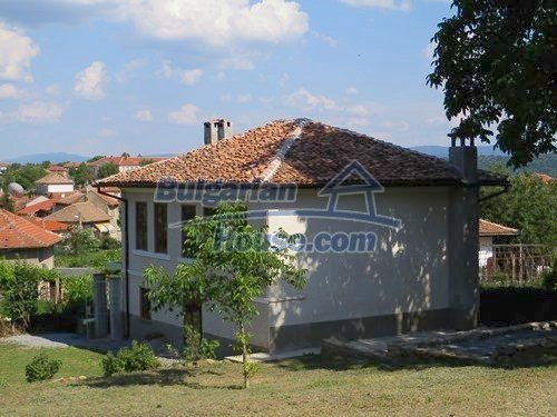 12415:10 - Traditional renovated Bulgarian house with 3000sq.m of land