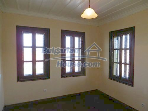 12415:21 - Traditional renovated Bulgarian house with 3000sq.m of land