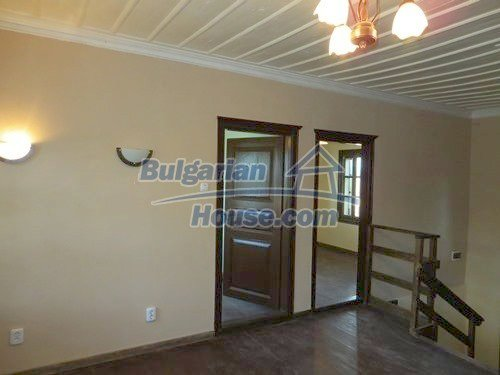 12415:25 - Traditional renovated Bulgarian house with 3000sq.m of land