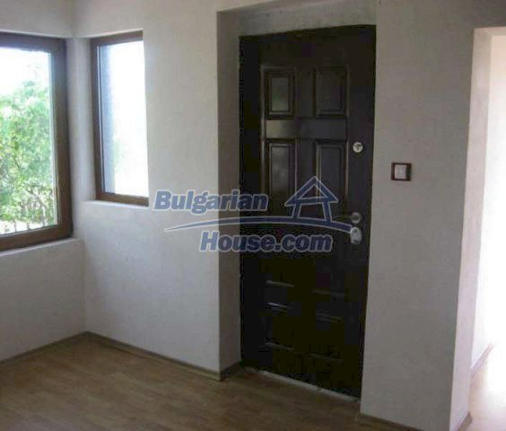 12004:10 - Advantageous renovated house with beautiful garden - Chirpan