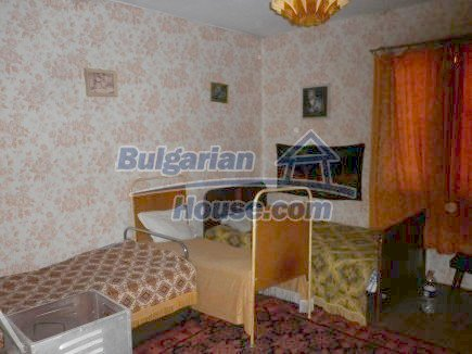 12464:17 - Bulgarian house for sale in Vratsa region, near river and forest