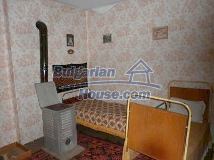 12464:18 - Bulgarian house for sale in Vratsa region, near river and forest