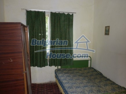 12464:22 - Bulgarian house for sale in Vratsa region, near river and forest