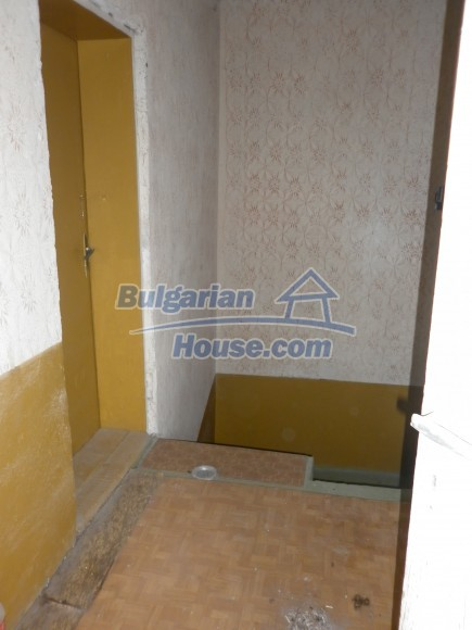 12464:23 - Bulgarian house for sale in Vratsa region, near river and forest