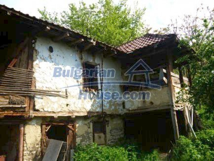 12483:11 - Rural Bulgarian real estate for sale 3km to Mezdra,Vratsa region