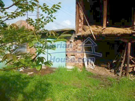 12483:18 - Rural Bulgarian real estate for sale 3km to Mezdra,Vratsa region