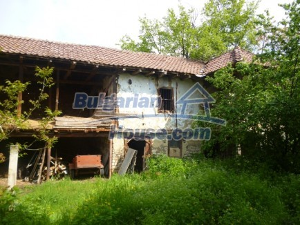 12483:10 - Rural Bulgarian real estate for sale 3km to Mezdra,Vratsa region