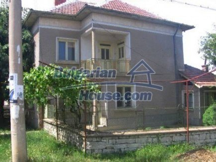 12496:1 - Two houses and three garages in one property for sale - Vratsa