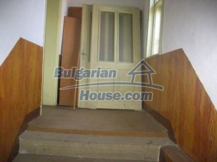 12496:12 - Two houses and three garages in one property for sale - Vratsa