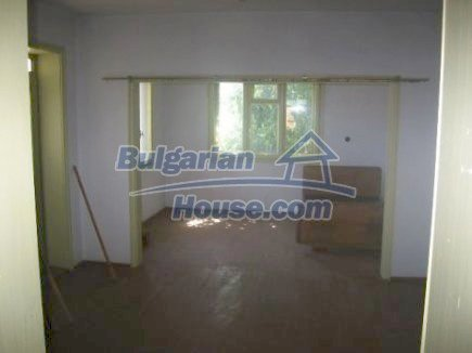 12496:13 - Two houses and three garages in one property for sale - Vratsa