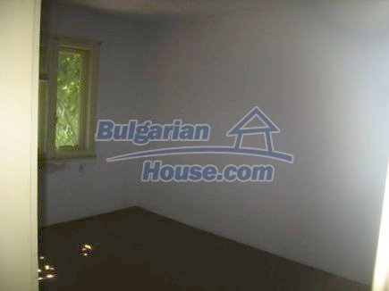 12496:14 - Two houses and three garages in one property for sale - Vratsa