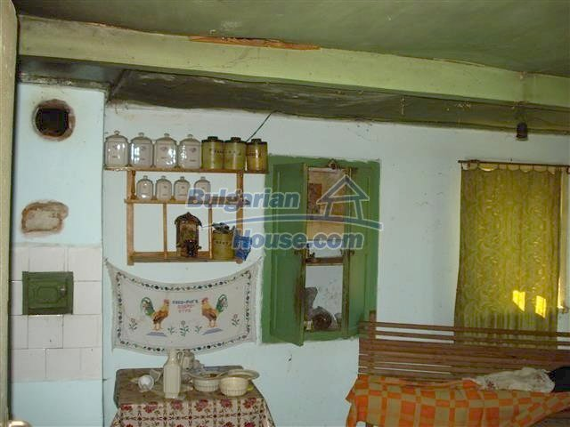 12500:4 - House with huge garden 75km to Burgas and 25km to Elhovo