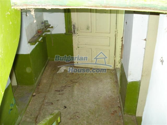 12500:9 - House with huge garden 75km to Burgas and 25km to Elhovo