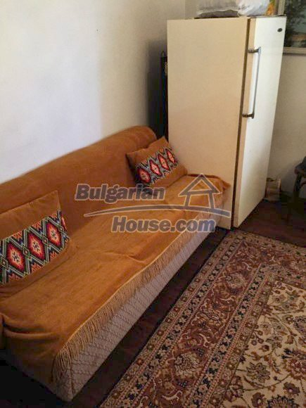 12509:12 - Bulgarian property 55km from Vratsa two garages and big land