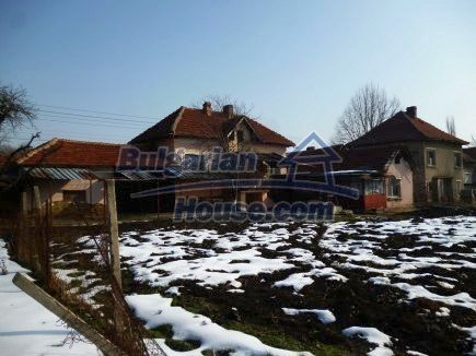 12512:1 - Rural Bulgarian house for sale 40km from Vratsa with vast garden
