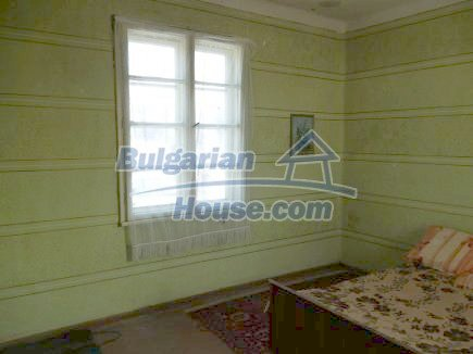 12512:14 - Rural Bulgarian house for sale 40km from Vratsa with vast garden