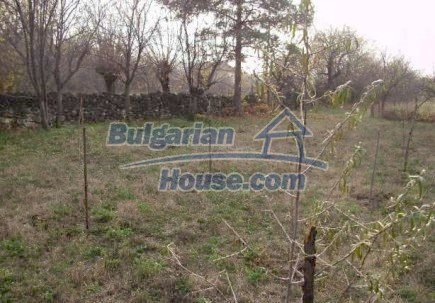 12515:15 - Cheap Bulgarian house in Vratsa region with 5500 sq.m. garden