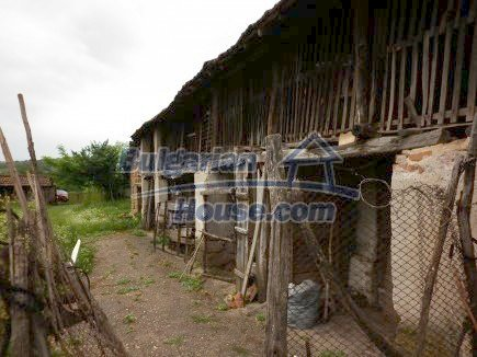 12518:11 - Rural Bulgarian house near river and big garden 4000 sq.m,Vratsa