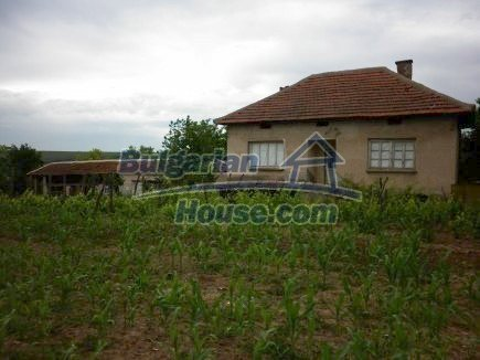 12518:12 - Rural Bulgarian house near river and big garden 4000 sq.m,Vratsa