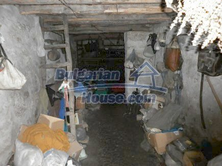 12518:14 - Rural Bulgarian house near river and big garden 4000 sq.m,Vratsa