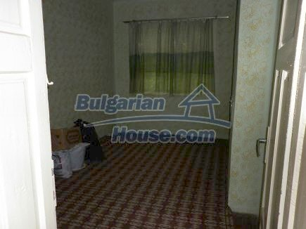 12518:16 - Rural Bulgarian house near river and big garden 4000 sq.m,Vratsa
