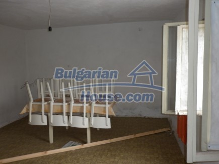 12518:8 - Rural Bulgarian house near river and big garden 4000 sq.m,Vratsa