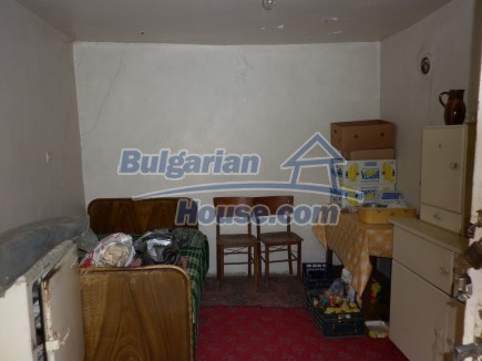 12518:10 - Rural Bulgarian house near river and big garden 4000 sq.m,Vratsa
