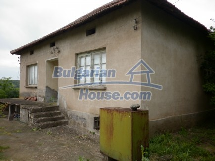 12518:23 - Rural Bulgarian house near river and big garden 4000 sq.m,Vratsa