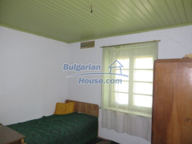 12536:22 - Rural Bulgarian house in Veliko Tarnovo region with lovely views