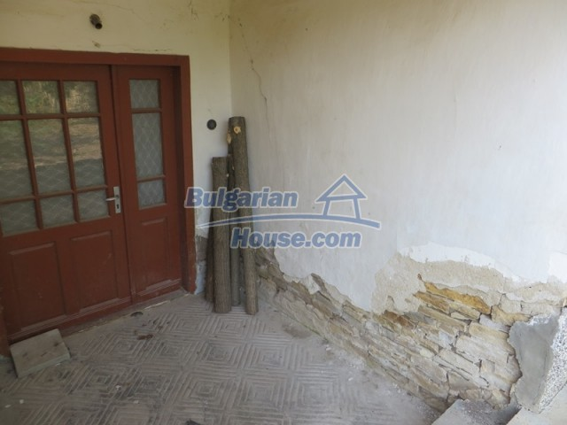 12536:29 - Rural Bulgarian house in Veliko Tarnovo region with lovely views