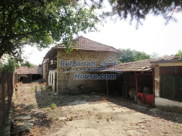 12536:34 - Rural Bulgarian house in Veliko Tarnovo region with lovely views
