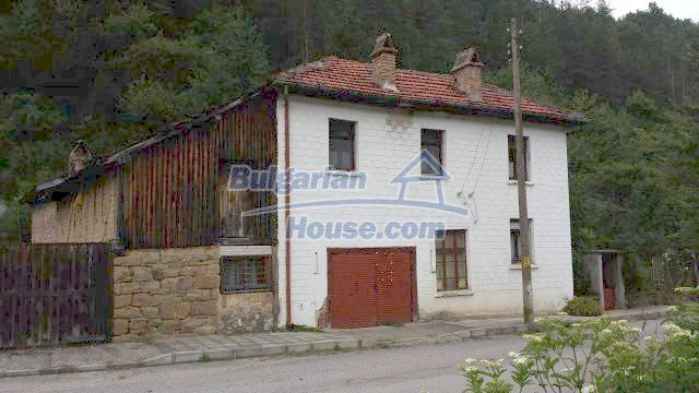 12559:2 - Bulgarian house in Stara Planina mountain near river