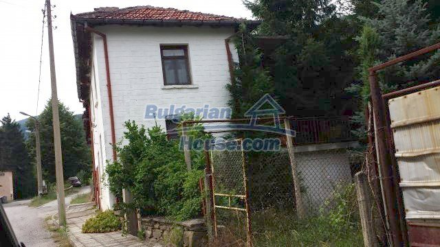 12559:1 - Bulgarian house in Stara Planina mountain near river