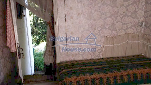 12559:22 - Bulgarian house in Stara Planina mountain near river