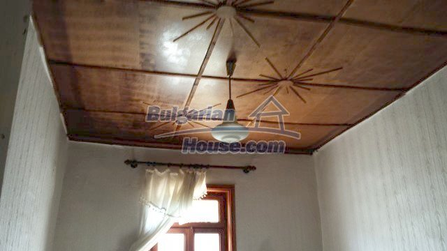12559:32 - Bulgarian house in Stara Planina mountain near river
