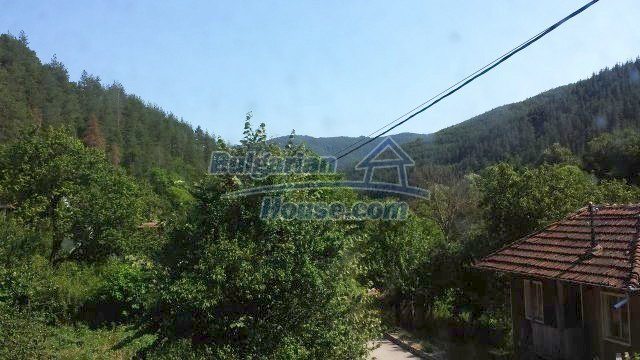 12559:50 - Bulgarian house in Stara Planina mountain near river