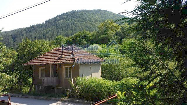 12559:58 - Bulgarian house in Stara Planina mountain near river