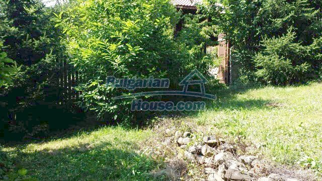 12559:70 - Bulgarian house in Stara Planina mountain near river