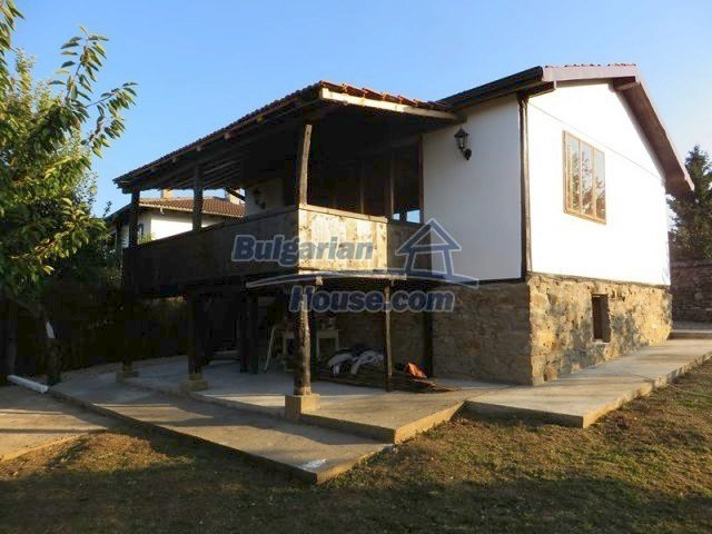 12562:2 - Beautiful two storey Bulgarian house 9 km to Veliko Tarnovo