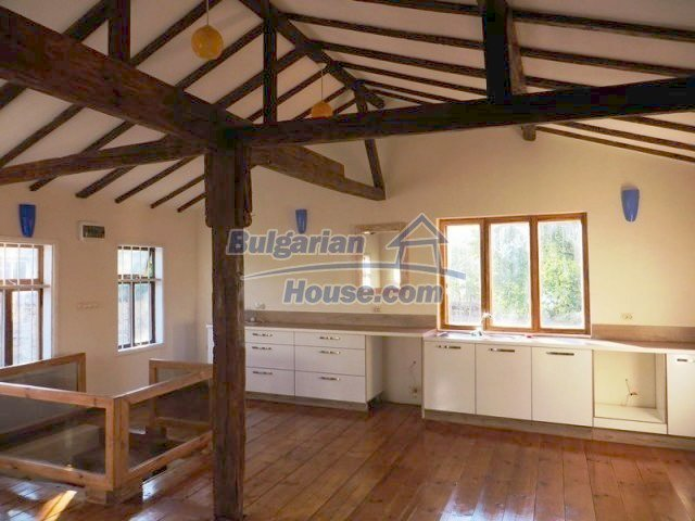 12562:5 - Beautiful two storey Bulgarian house 9 km to Veliko Tarnovo
