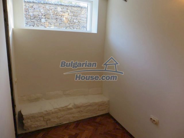 12562:22 - Beautiful two storey Bulgarian house 9 km to Veliko Tarnovo