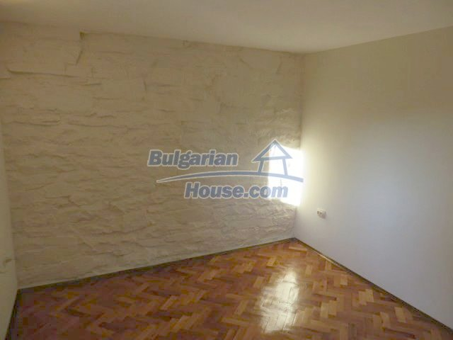 12562:23 - Beautiful two storey Bulgarian house 9 km to Veliko Tarnovo