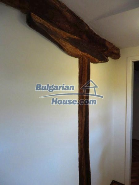 12562:29 - Beautiful two storey Bulgarian house 9 km to Veliko Tarnovo