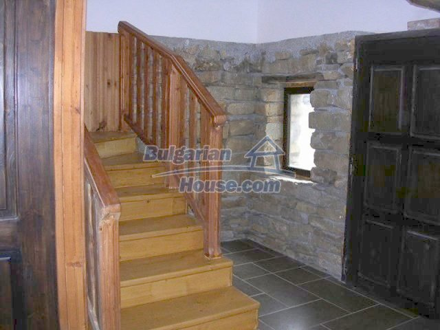 12583:5 - 3 bedroom house located in pretty village Lovnidol Gabrovo area