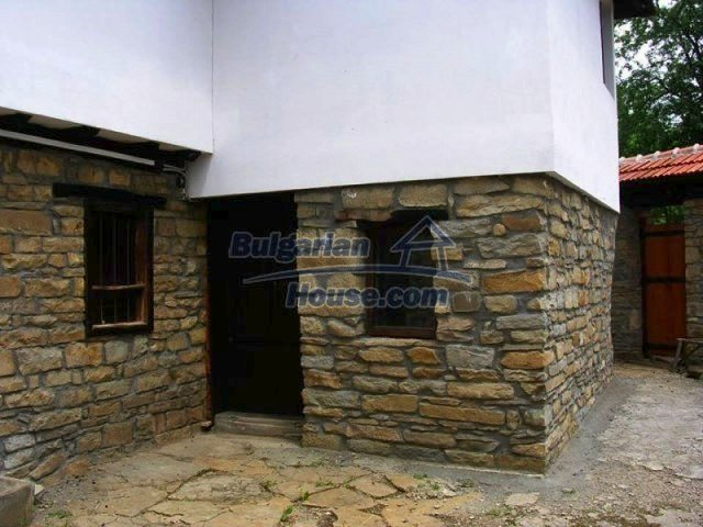 12583:8 - 3 bedroom house located in pretty village Lovnidol Gabrovo area