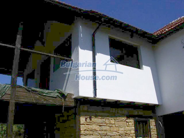 12583:9 - 3 bedroom house located in pretty village Lovnidol Gabrovo area